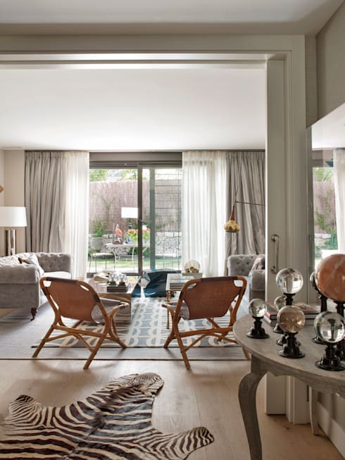 CASA FAMILIAR 2014: Salones de estilo  de BELEN FERRANDIZ INTERIOR DESIGN