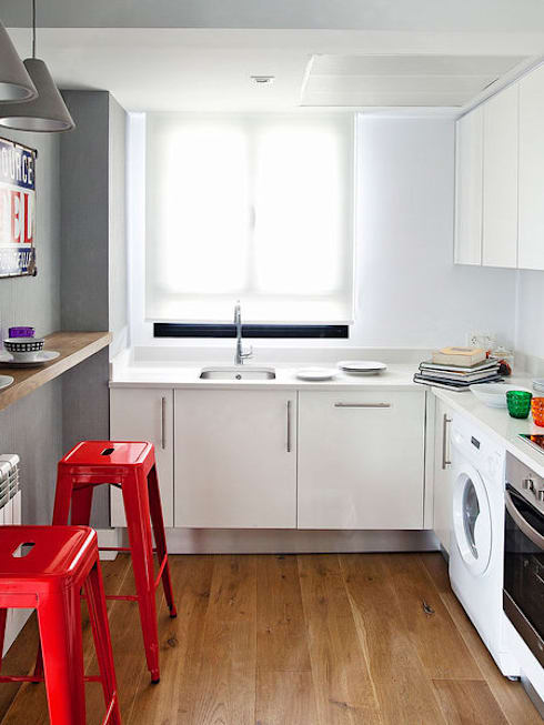 LOFT IN MADRID 2013: Cocinas de estilo  de BELEN FERRANDIZ INTERIOR DESIGN