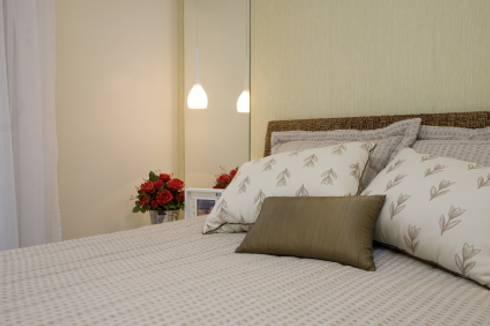 Apartamento Litoral Sul – Brasil, São Paulo: Quartos  por Arquitetura 8 - Ana Spagnuolo & Marcos Ribeiro