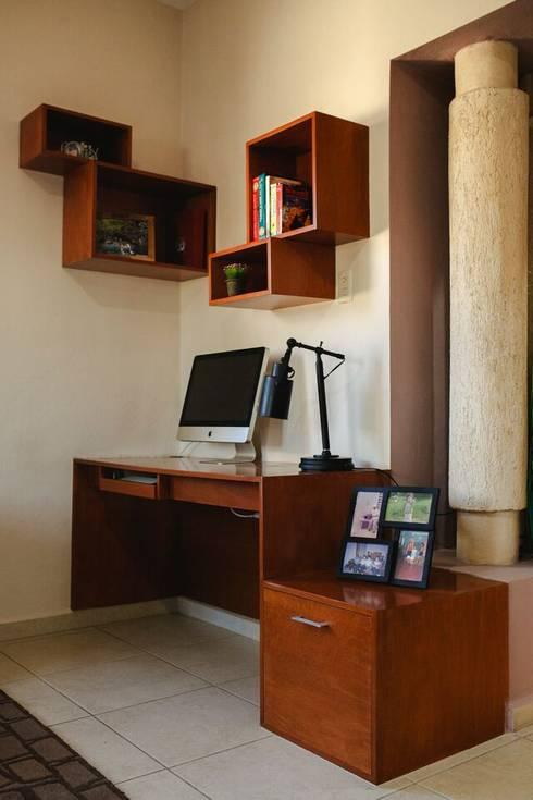 Casa CHSB: Estudios y oficinas de estilo ecléctico por Arq Mobil