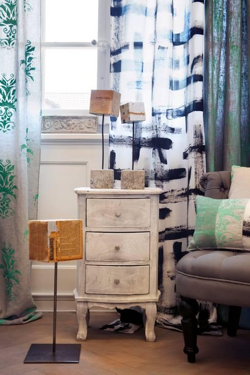 En Coulisses Collection:  Wohnzimmer von Aquamarine Design
