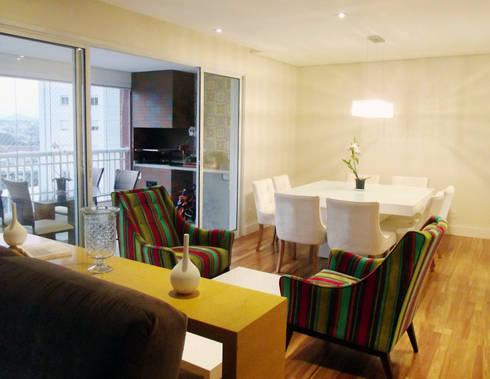 Apartamento 03: Salas de jantar modernas por P.B Arquitetura