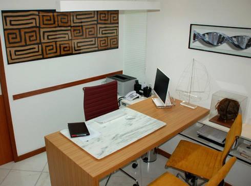 Consultório Dr. Badaró: Escritórios  por Peixoto Arquitetos Associados