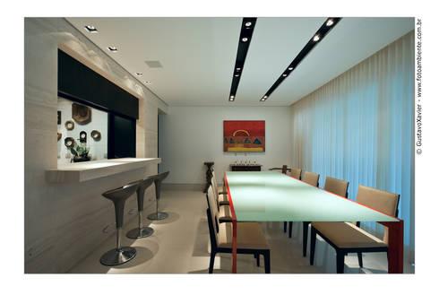 APTO BELVEDERE: Salas de jantar modernas por Cassio Gontijo Arquitetura e Decoração