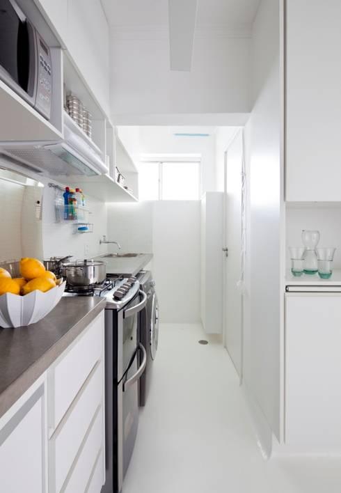 Reforma Apartamento Brooklyn: Cozinha  por Estudio MB
