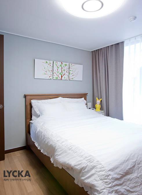 판교 아파트 홈드레싱: LYCKA interior & styling의  침실
