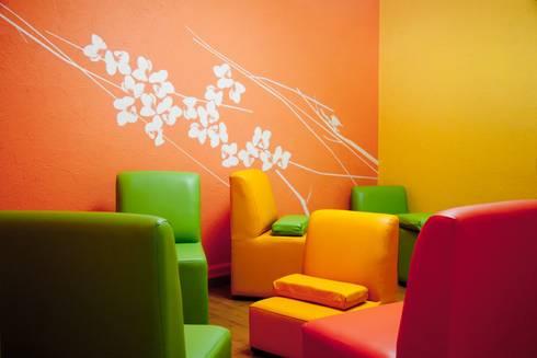 Colgate Palmolive Creative Offices-Mexico: Salas de estilo moderno por Elías Arquitectura