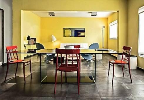 Primary Colours: Comedores de estilo moderno por Elías Arquitectura