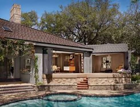 LE FUMOIR & GYM-San Antonio Texas: Albercas de estilo moderno por Elías Arquitectura