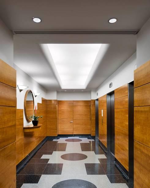 Uppern West Side Apartment-Manhatthan NYC: Vestidores y closets de estilo  por Elías Arquitectura