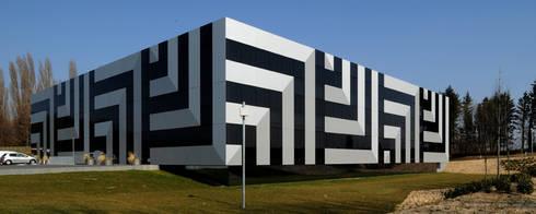 Fachada : Edifícios comerciais  por Peixoto Arquitetos Associados