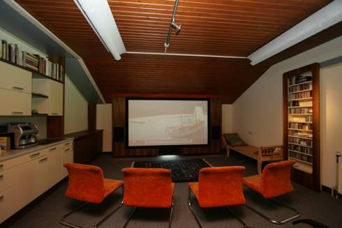 gro es kino zu hause live erleben von lenz komponiert m bel homify. Black Bedroom Furniture Sets. Home Design Ideas
