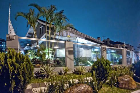 Ousado!: Casas modernas por Paulinho Peres Group