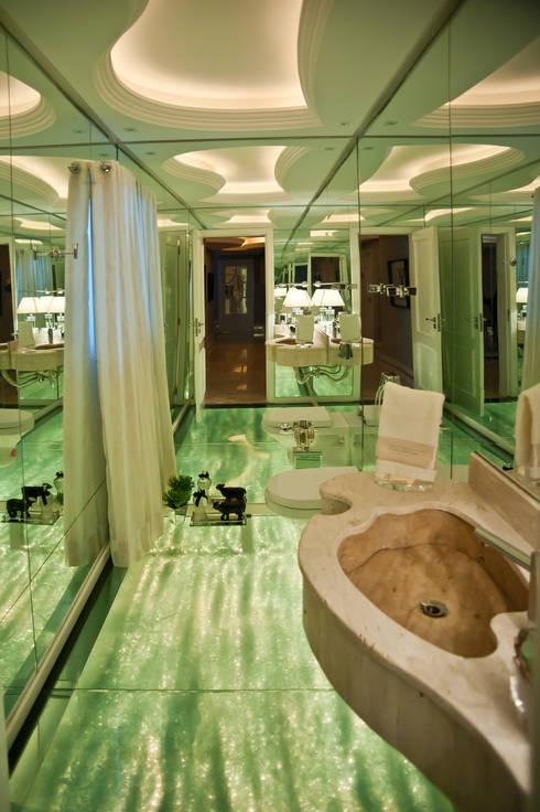 Paulinho Peres Group: modern tarz Banyo