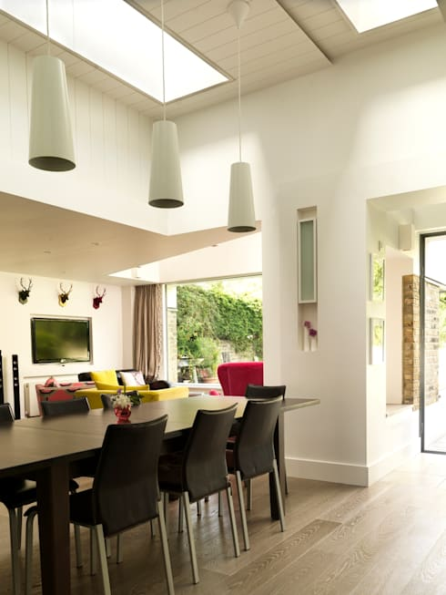 Gowan Avenue: modern Dining room by Simon Gill Architects