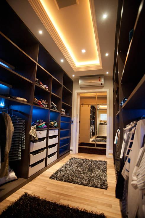 Paulinho Peres Group: modern tarz Giyinme Odası