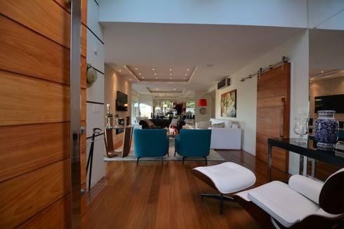 Sala de Estar: Salas de estar modernas por ARQ Ana Lore Burliga Miranda
