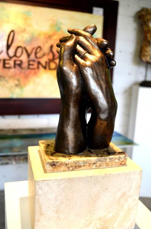 Esculturas: Recámaras de estilo clásico por Galeria Ivan Guaderrama