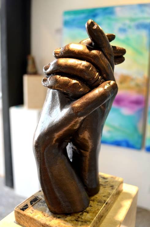 Esculturas: Comedor de estilo  por Galeria Ivan Guaderrama
