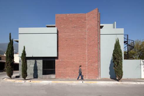 Las Palomas: Casas de estilo moderno por NODO Arquitectura