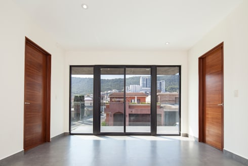 Las Palomas: Ventanas de estilo  por NODO Arquitectura