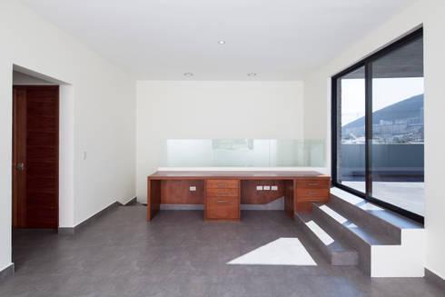 Las Palomas: Estudios y oficinas de estilo moderno por NODO Arquitectura