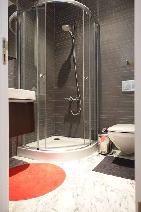 J.Design – Misafir odasi: modern tarz Banyo