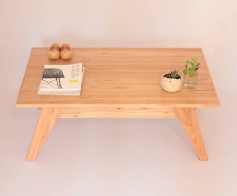 Mesa Divise: Comedores de estilo moderno por Debute Muebles