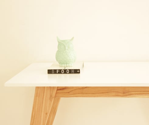 Mesa It: Vestidores de estilo  por Debute Muebles