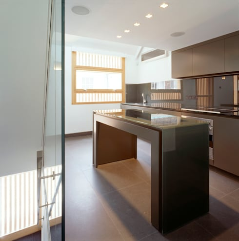 Park Square Mews:  Kitchen by Belsize Architects