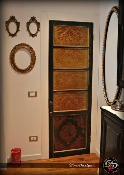 Puertas y ventanas de estilo  por decordesignr di Annalisa Calì