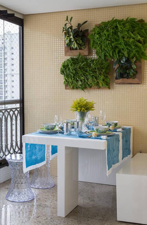 Apartamento RM: Terraços  por Flavia Sa Arquitetura