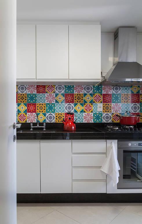 modern Kitchen by Flavia Sa Arquitetura