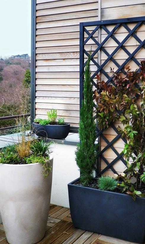 Terrasse / Après:  de style  par Skéa Designer