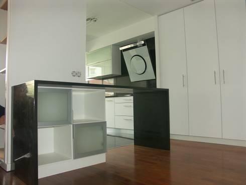 cozinha/sala: Cozinhas modernas por LUGAR VIVO, ARQUITECTURA, LDA