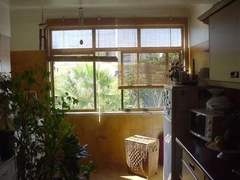 ANTES - cozinha: Cozinhas modernas por LUGAR VIVO, ARQUITECTURA, LDA