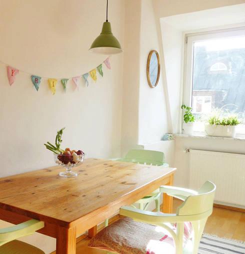 Une cuisine vert amande: Cuisine de style de style Scandinave par Skéa Designer