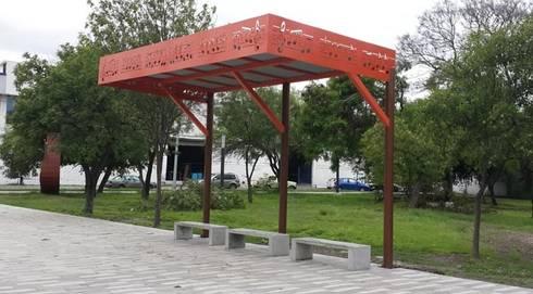 Plaza del Mariachi: Casas de estilo moderno por Nacional de Bancas
