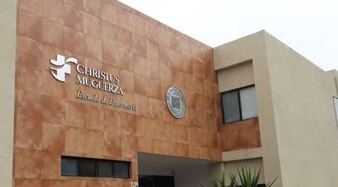 Escuela de enfermería del Hospital Christus Muguerza: Jardines de estilo moderno por Nacional de Bancas