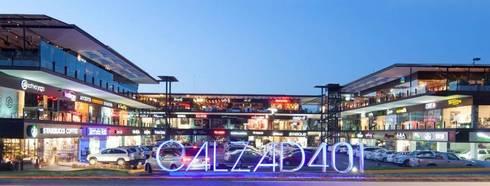 Restaurante Muelle de al lado: Jardines de estilo moderno por Nacional de Bancas