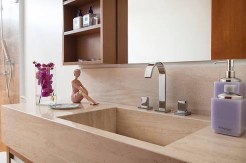 Banheiro - Proprietária: Banheiros modernos por Arquitetura 8 - Ana Spagnuolo & Marcos Ribeiro