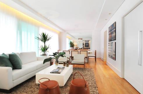 GENCONS: Salas de estar modernas por Elaine Carvalho Arquitetura