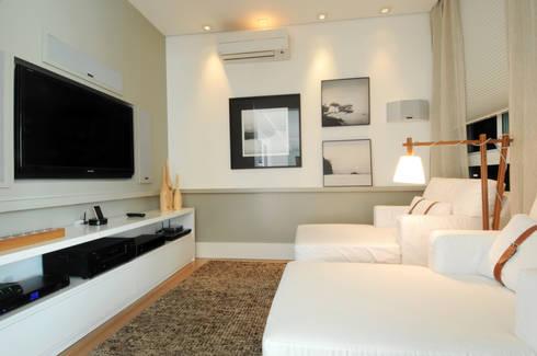 GENCONS: Salas multimídia modernas por Elaine Carvalho Arquitetura