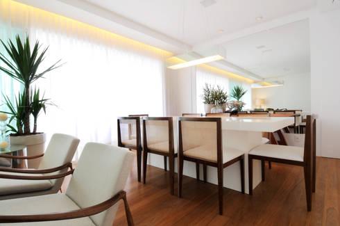 GENCONS: Salas de jantar modernas por Elaine Carvalho Arquitetura