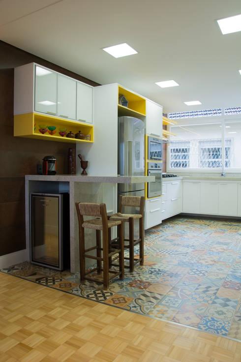 Cozinha: Cozinhas  por HAPPY Arquitetura