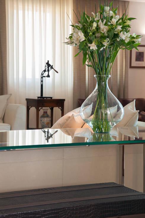 Sala de estar: Salas de estar modernas por Arquitetura 8 - Ana Spagnuolo & Marcos Ribeiro