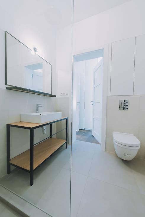Wiejska: styl , w kategorii Łazienka zaprojektowany przez JA2PLUS