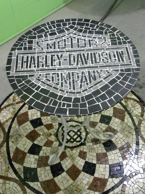Mesas em Mosaico de Mosaico Leonardo Posenato   homify