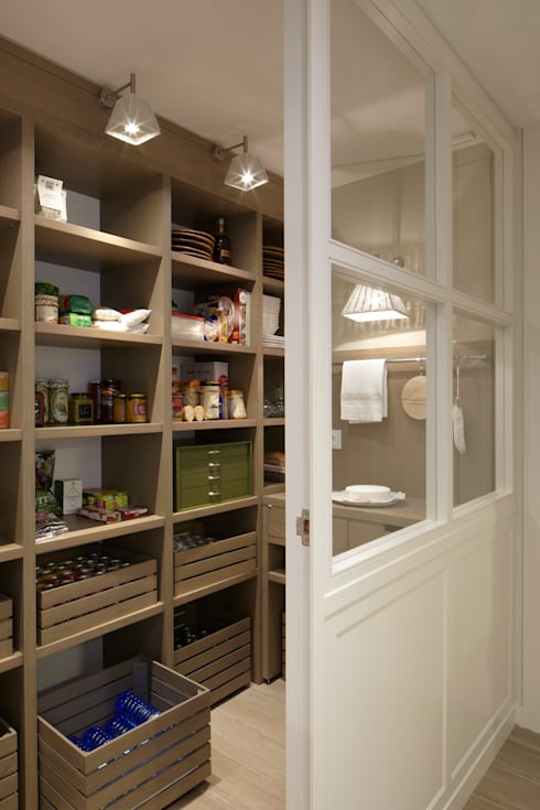 eclectic Kitchen by DEULONDER arquitectura domestica