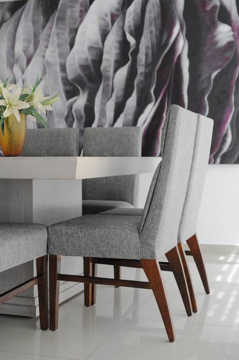 Casa GC: Comedores de estilo moderno por Cólorful Casa Creadora